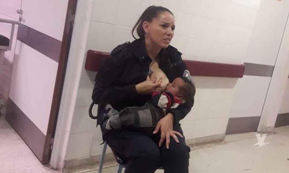 Ascienden de puesto a policía que amamantó a bebé que no era de ella pero lloraba de hambre