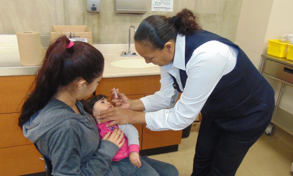 Refuerzan llamado a vacunarse para evitar las paperas