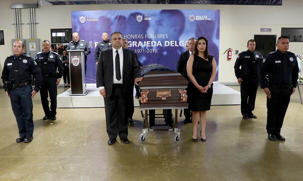 Despiden con honores a Policía Municipal en Tijuana