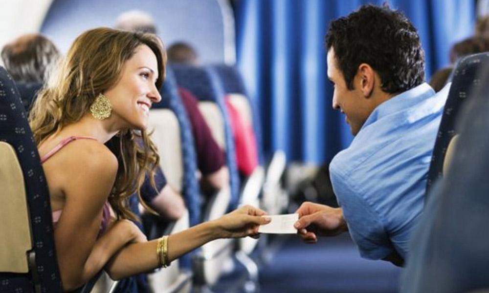 Según estudios 1 de cada 50 personas encuentran el amor en un avión