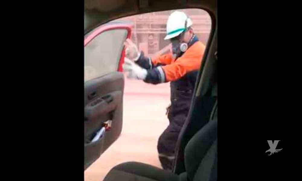 (VIDEO) Directores despiden a mineros por realizar el reto #KikiChallenge