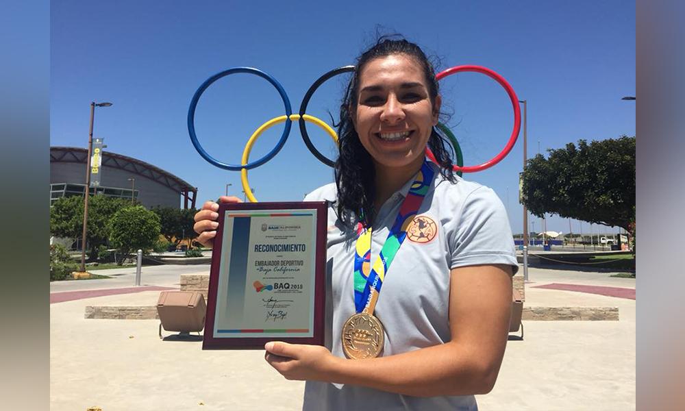 Visita el CAR de Tijuana Esmeralda Verdugo, medalla de oro en olimpiada Barranquilla 2018