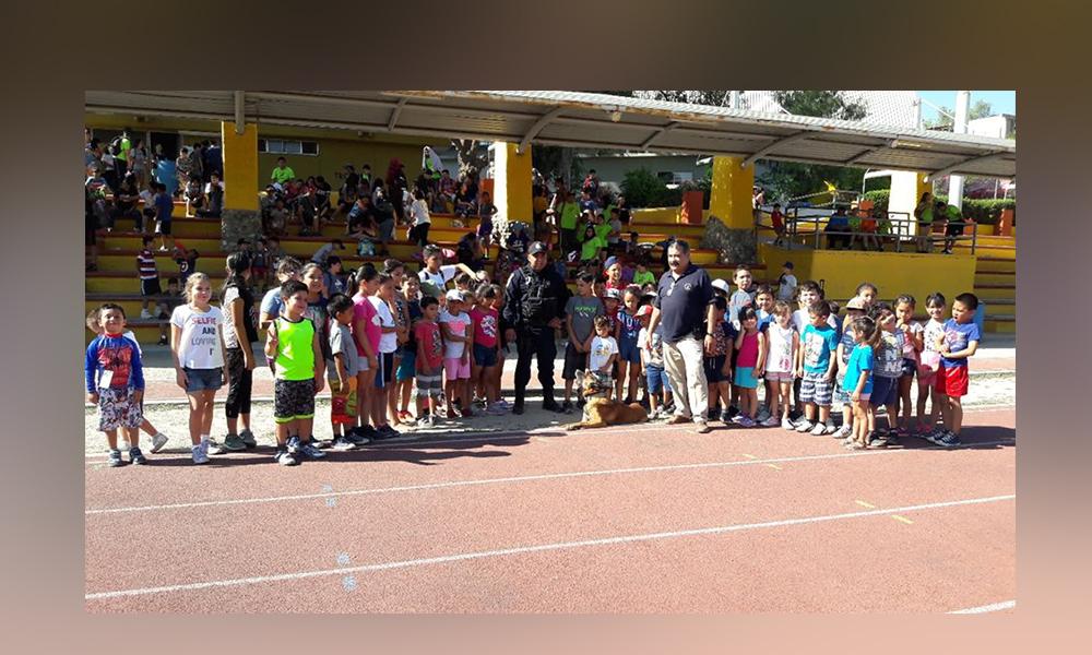 Unidad K9 visita a niñas y niños en los Cursos de Verano Imdete 2018