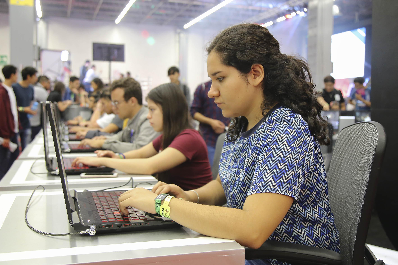 Inician pre-registro en el programa de becas de AMLO para jóvenes