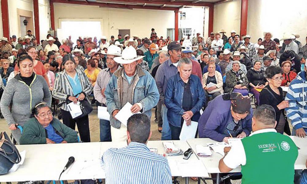 AMLO propone que el programa 65 y más iniciará a los 68, afectando a miles de adultos mayores