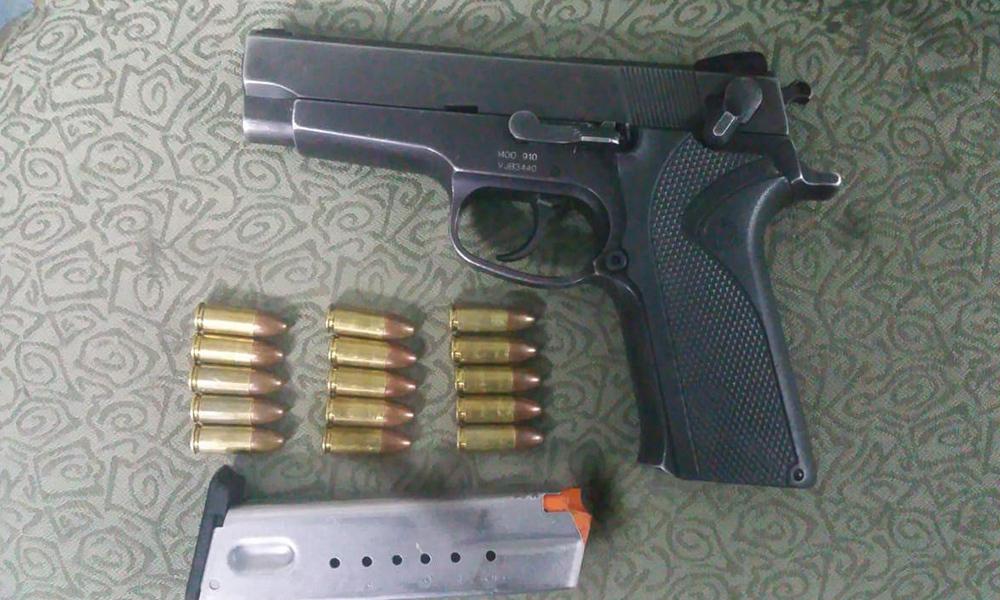 Arrestan a sujeto prófugo de la ley armado en Ensenada