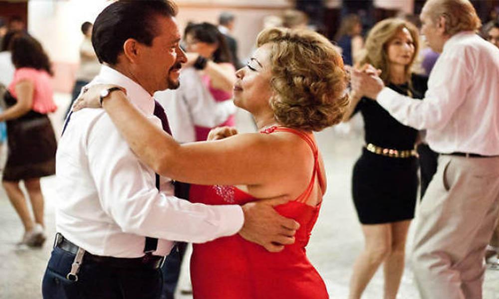 Bailar te mantiene joven; afirman los científicos