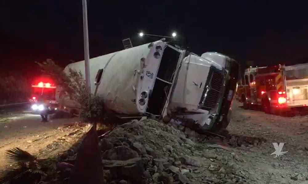 (VIDEO) Una persona sin vida, otra con amputación de extremidades y 32 lesionados fue el saldo de volcadura de camión en Tijuana