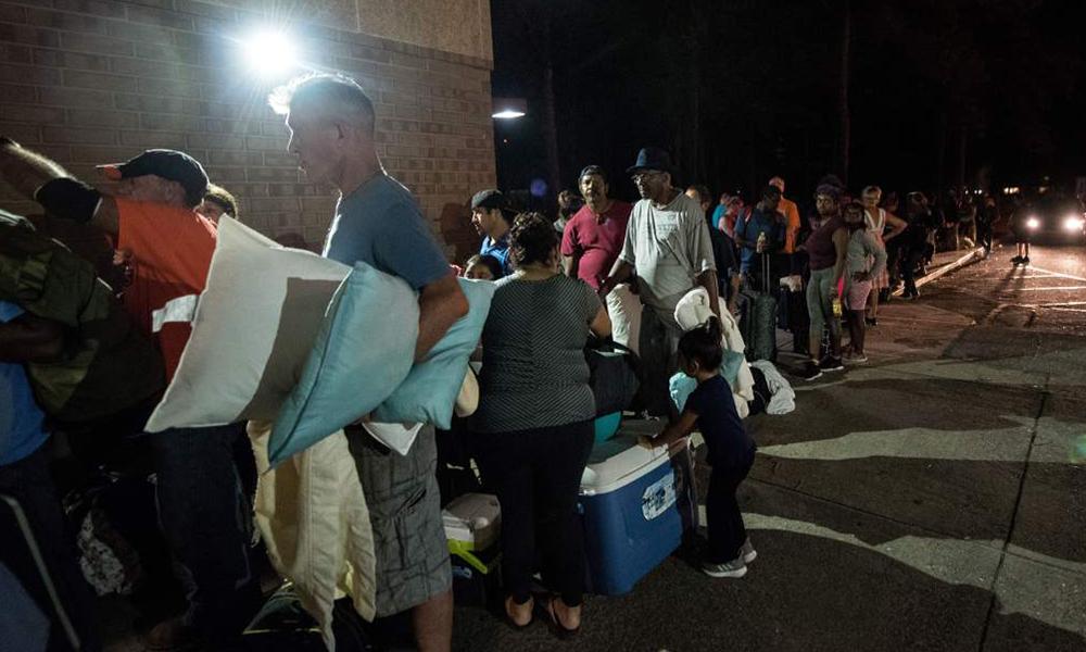 Consulado mexicano difunde lista de albergues para migrantes por huracán Florence