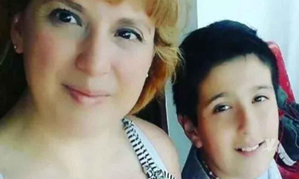 (VIDEO) Niño busca su celular perdido, contiene fotos y videos de su madre antes de morir