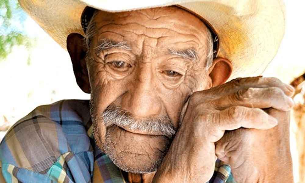 El olor a anciano llega a nuestro cuerpo a los 30 años