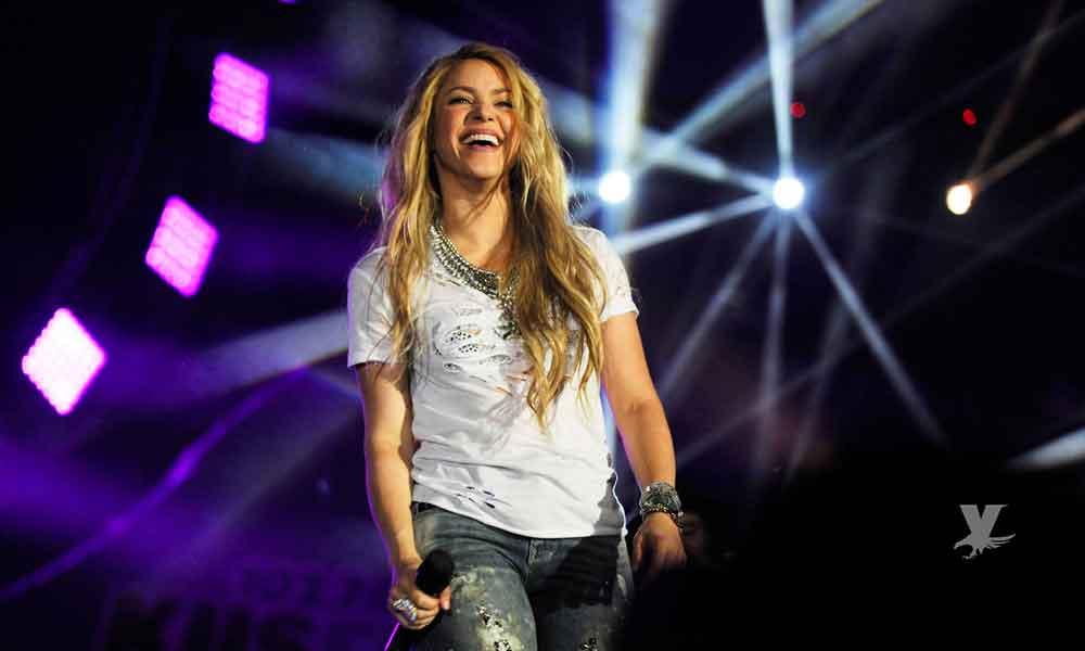 Enamorados los asistentes al concierto de Shakira en San Diego