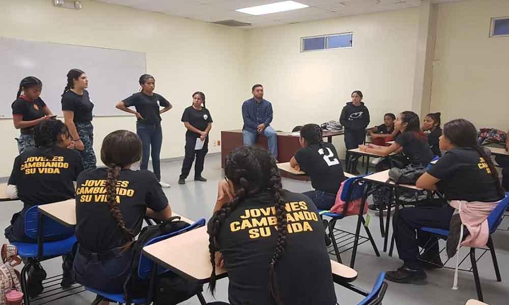 """Benefician a más de 60 menores en el programa """"jóvenes cambiando sus vidas"""" en Tijuana"""
