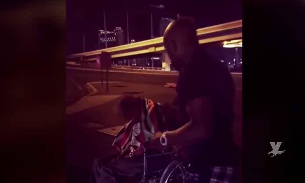 (VIDEO) Floyd Mayweather regala mil dólares a un indigente y reta a otros famosos a hacer lo mismo