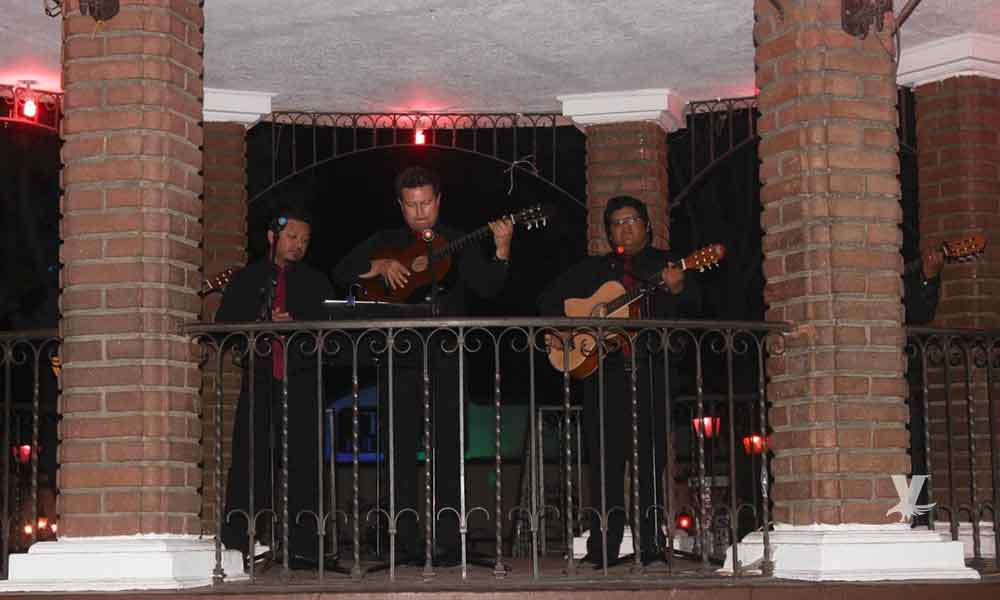 Cantan las mañanitas a Tecate por su 126 aniversario de fundación