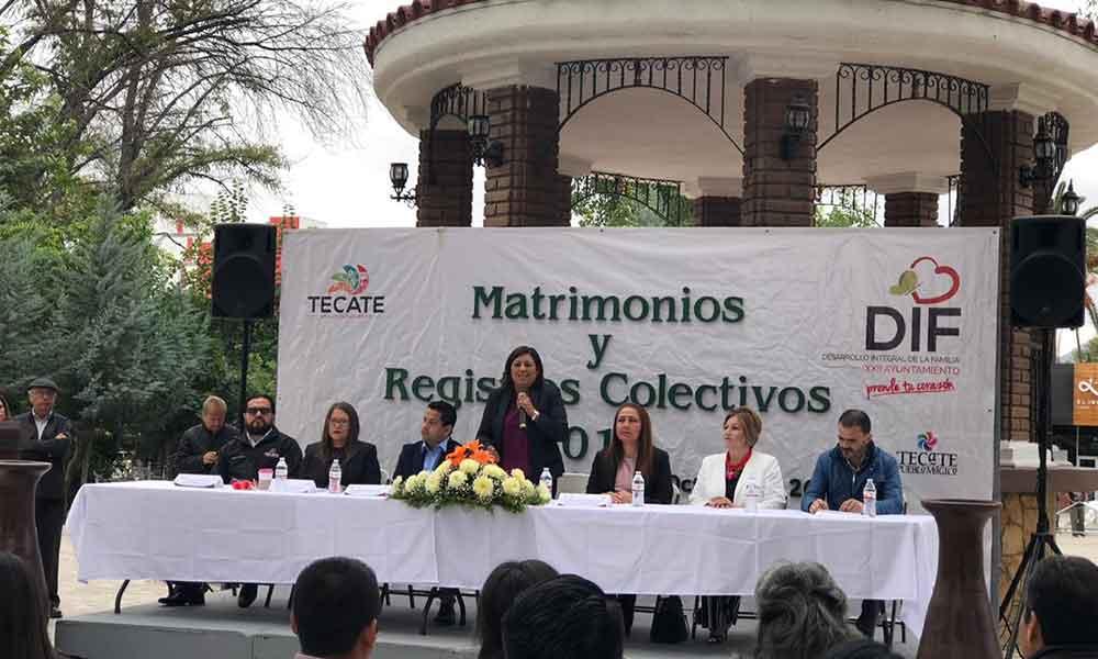 Celebran matrimonios y registros colectivos en el marco del 126 aniversario de Tecate