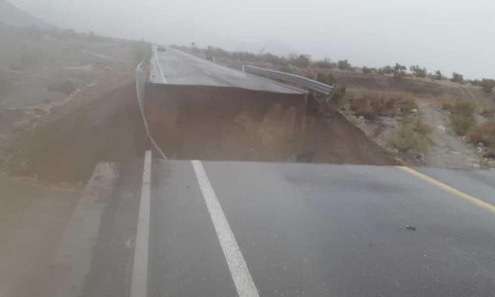 Colapsa tramo carretero de San Felipe por lluvias