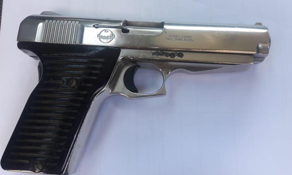 Detienen a dos sujetos con arma de fuego en Tijuana
