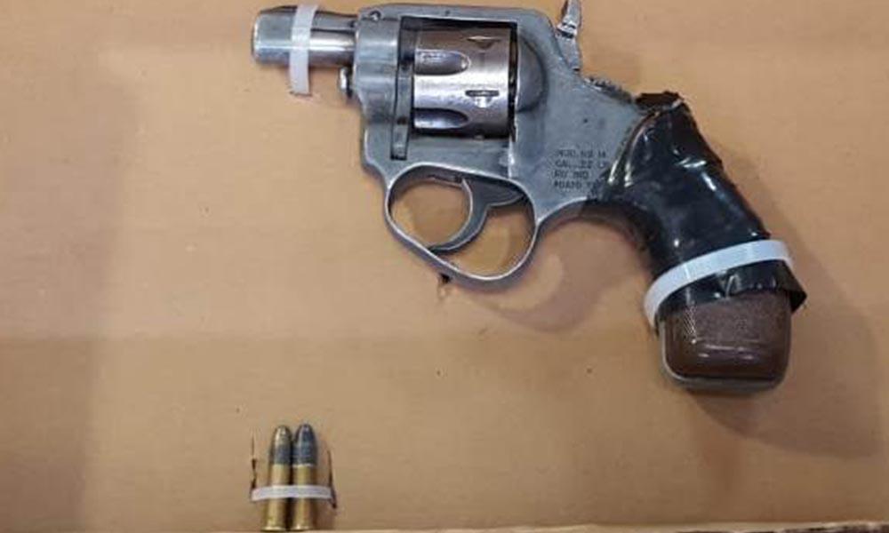 Detienen a sujeto en posesión de arma de fuego y metanfetamina en Tijuana