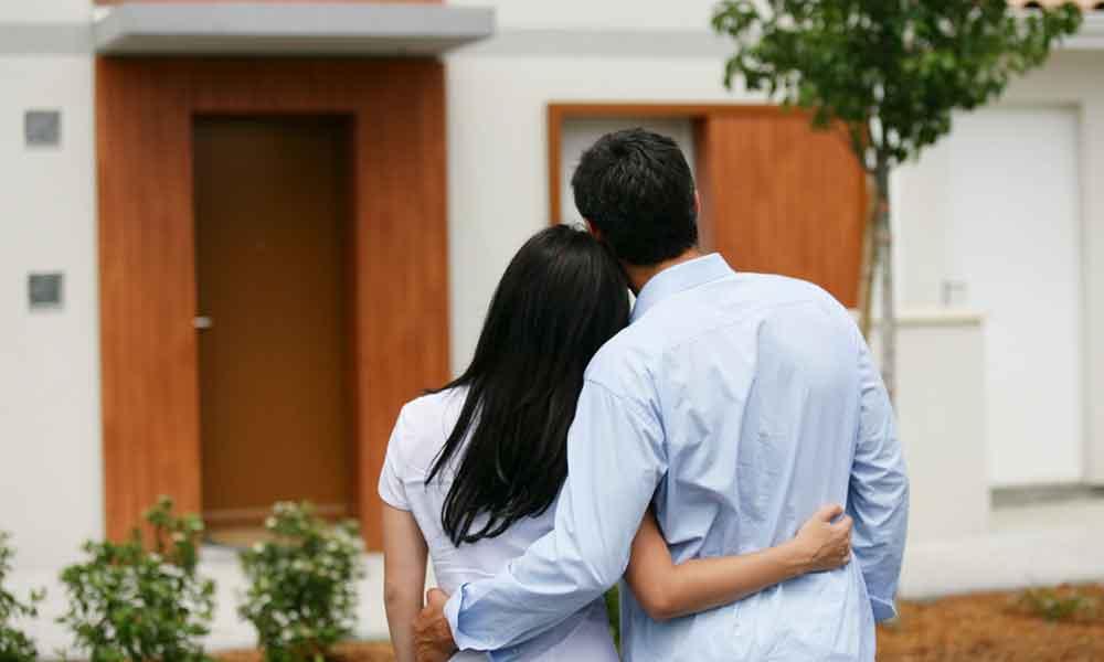 Infonavit quiere facilitar la compra de casa en pareja