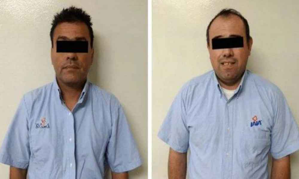 (VIDEO) Repartidores de LALA son detenidos por robo en abarrotes donde entregaban productos