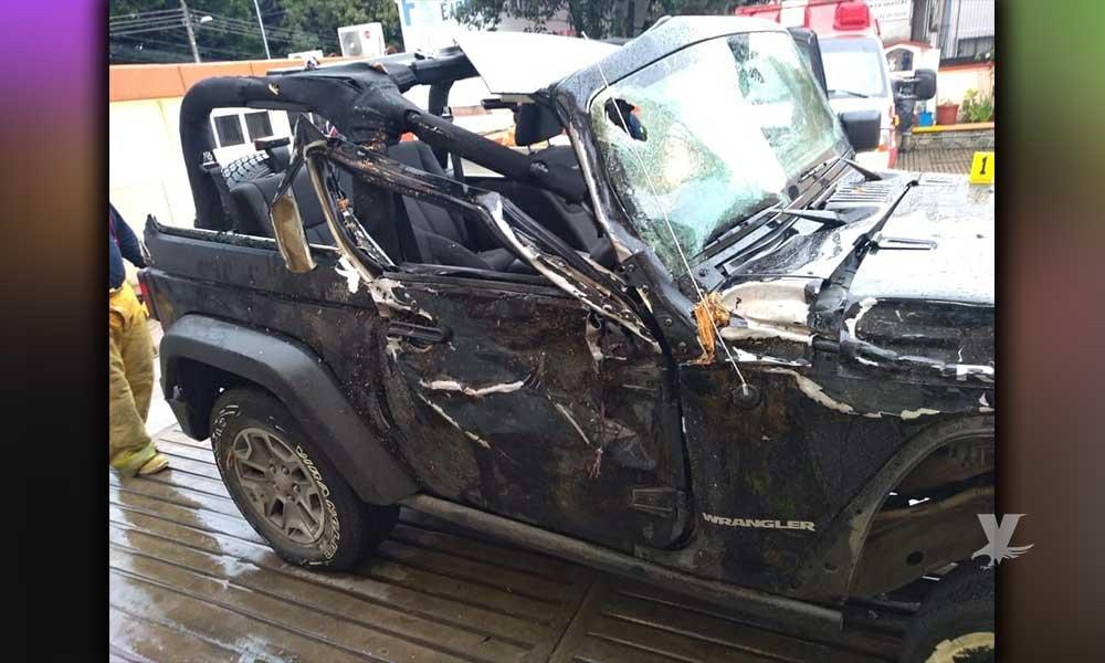 (FOTOS) Líder del PRI abandona a su novia muerta en el estacionamiento del hospital después de un accidente