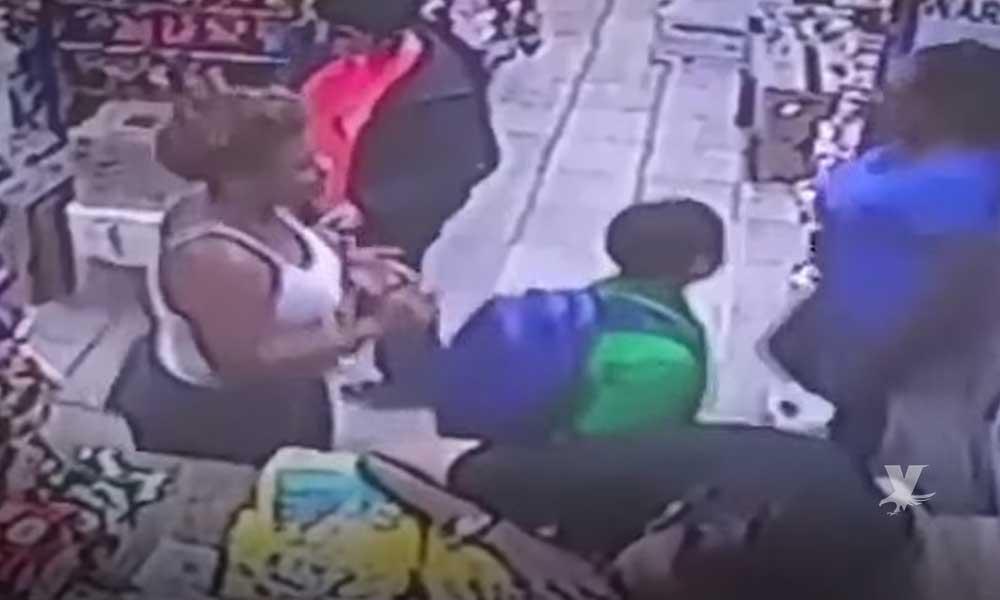 """(VIDEO) Niño afroamericano de 9 años es acusado por una mujer de """"acoso sexual"""""""