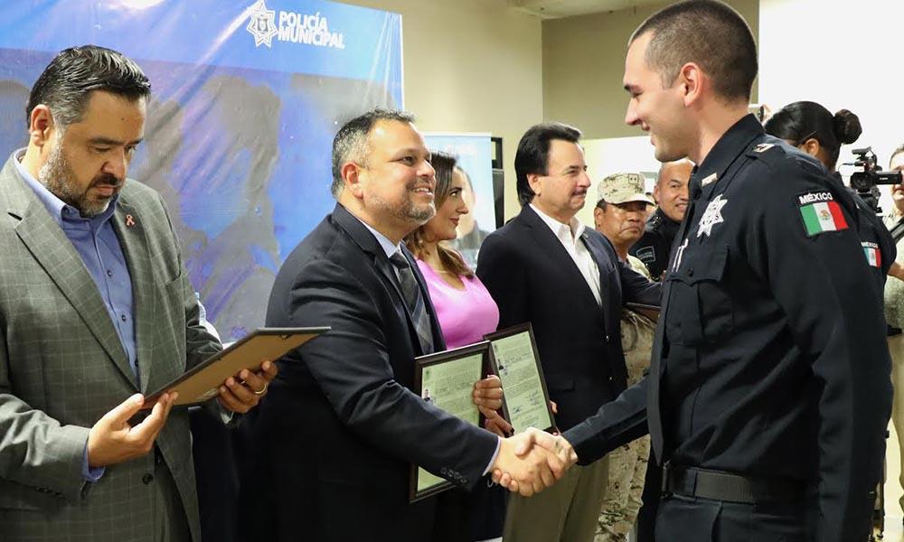 Otorgan ascensos y estímulos a policías, como parte de la transformación policial en Tijuana