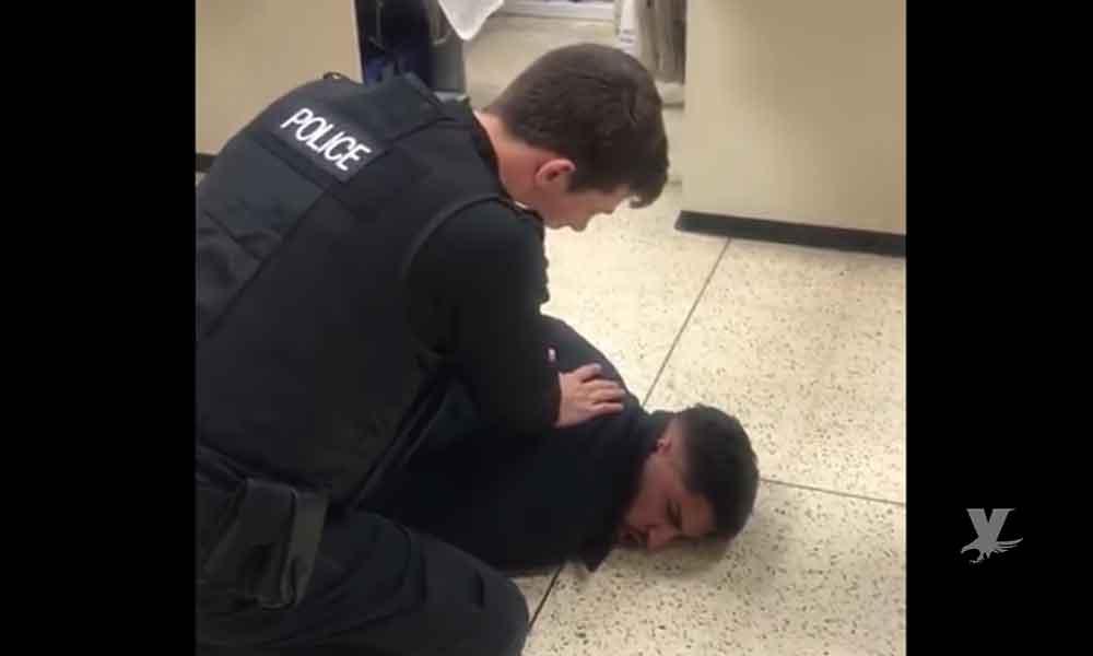 (VIDEO) Pareja es arrestada por intentar comprar 20 botellas de agua en un centro comercial