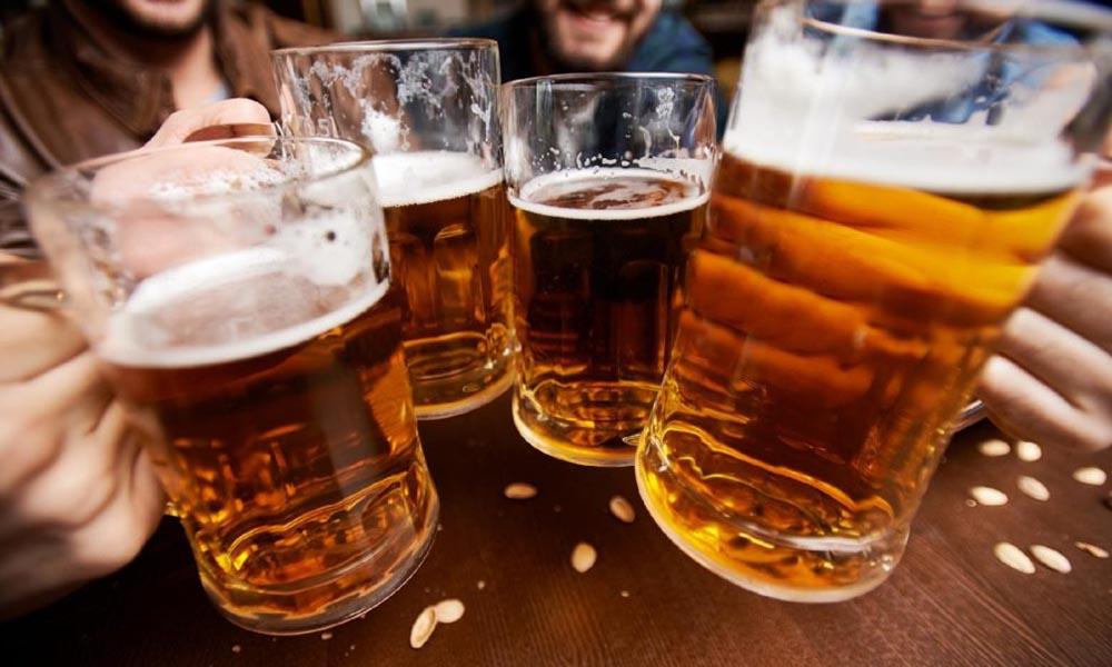 Según estudio, los mexicanos gastan 1 de cada 5 pesos en cerveza