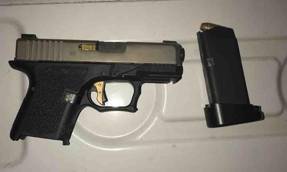Sujeto es detenido en posesión de arma de fuego en Tijuana