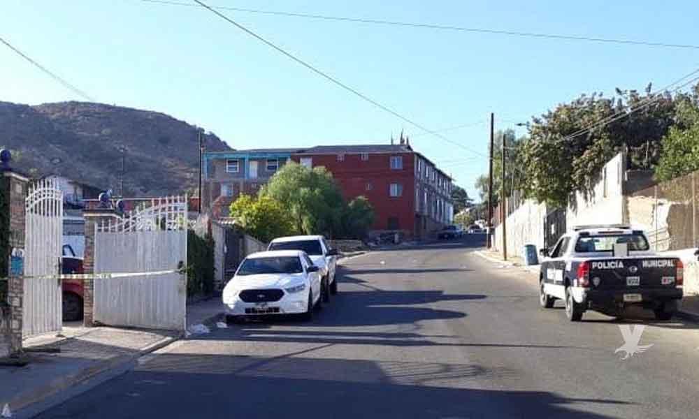 """Hermano de la Senadora de Morena """"Lady Champagne"""" es baleado dentro de su casa en Tecate"""