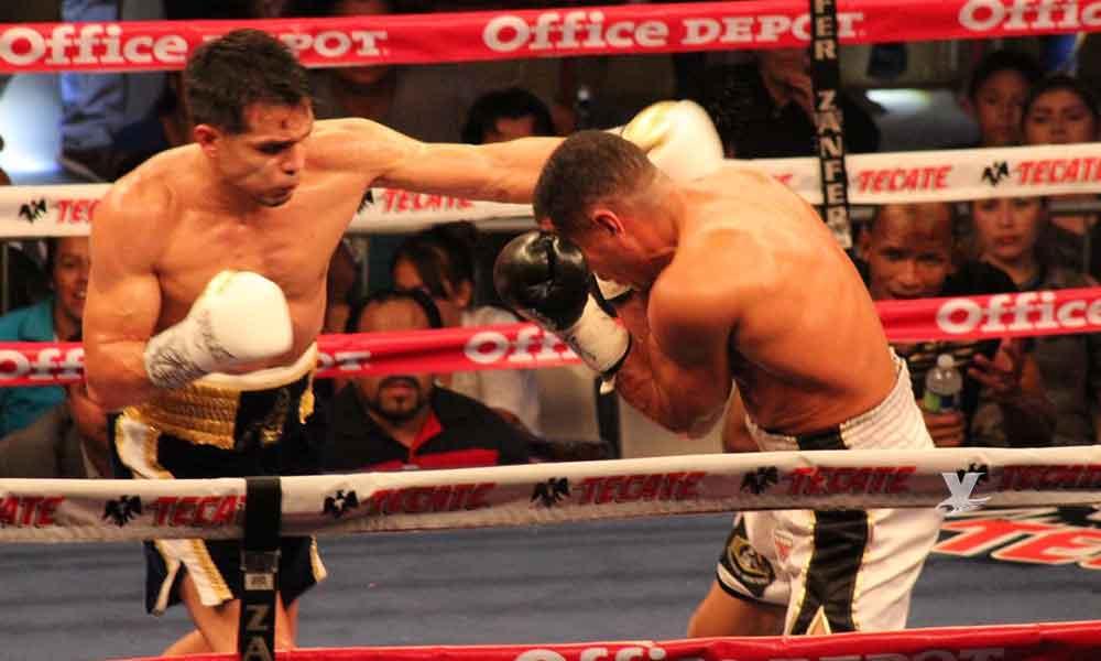 """Se impone el mexicalense José """"Chon"""" Zepeda en la pelea estelar de Box Azteca"""