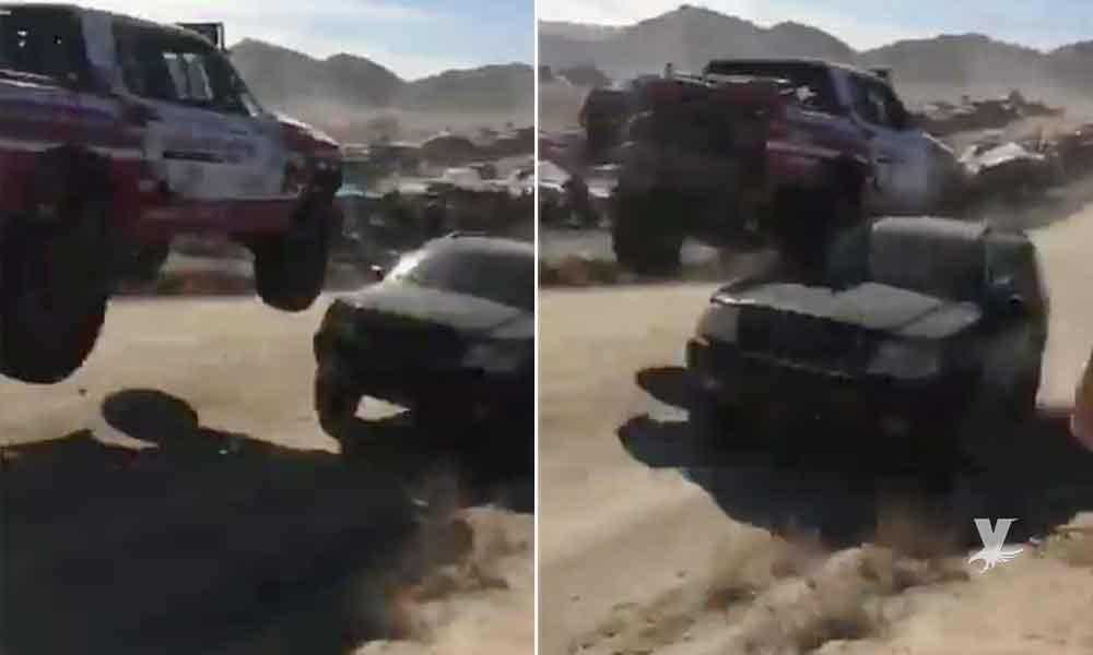 Jeep se mete en sentido contrario en la Baja 1000 (VIDEO)