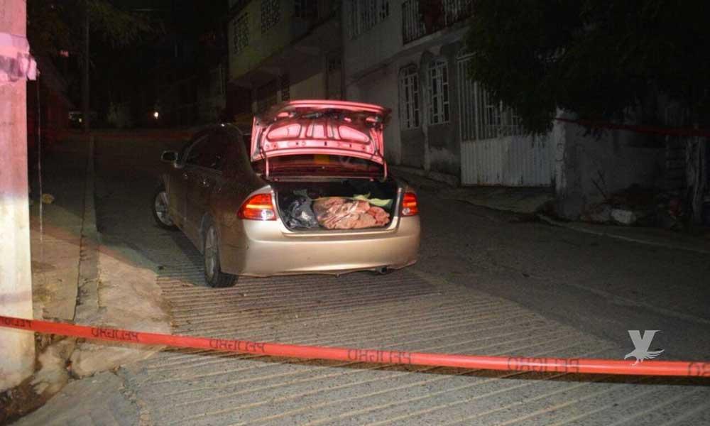 Mujer esconde a su hija durante dos años en la cajuela de un carro, rodeada de excremento