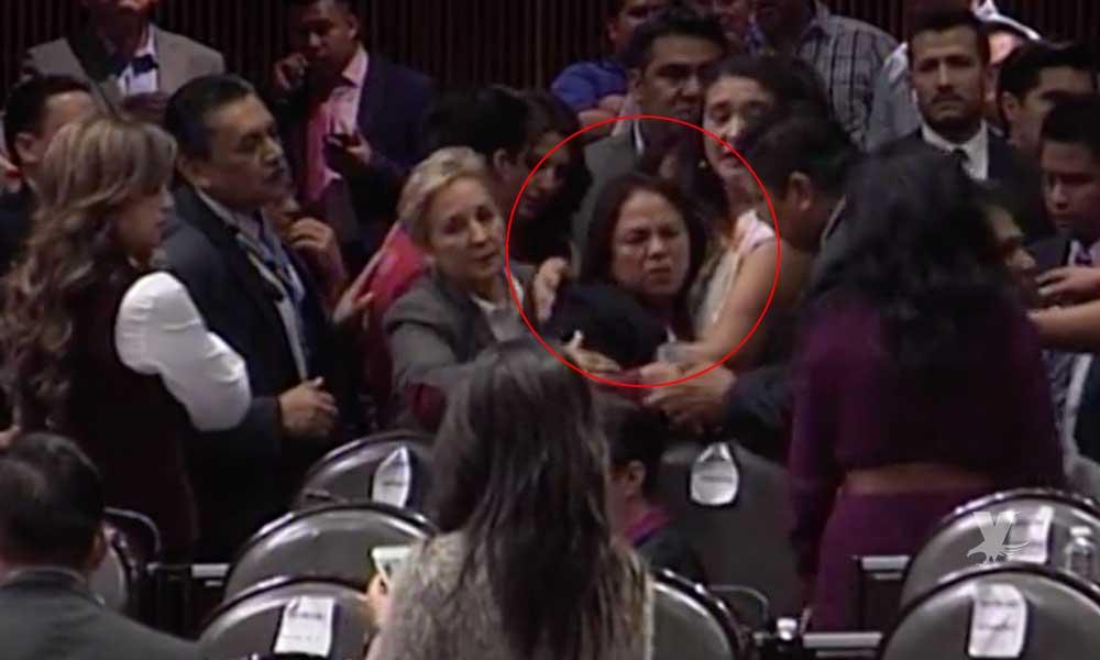 (VIDEO) Diputada de Morena recibe noticia del asesinato de su hija durante sesión en San Lázaro