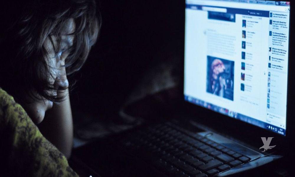 Personas que pasan mucho tiempo en redes sociales tienen problemas con la depresión