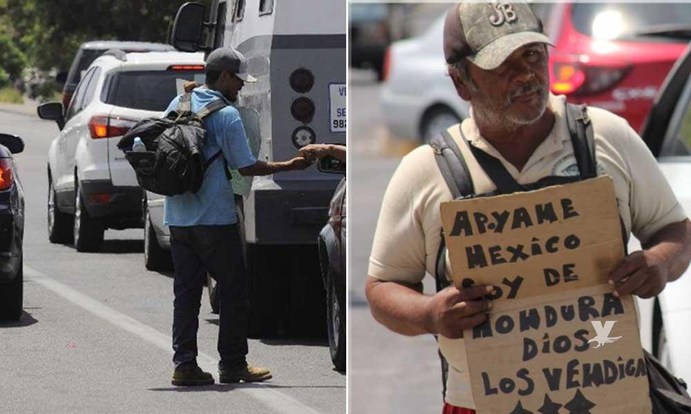 Migrantes piden dinero en calles de Mexicali