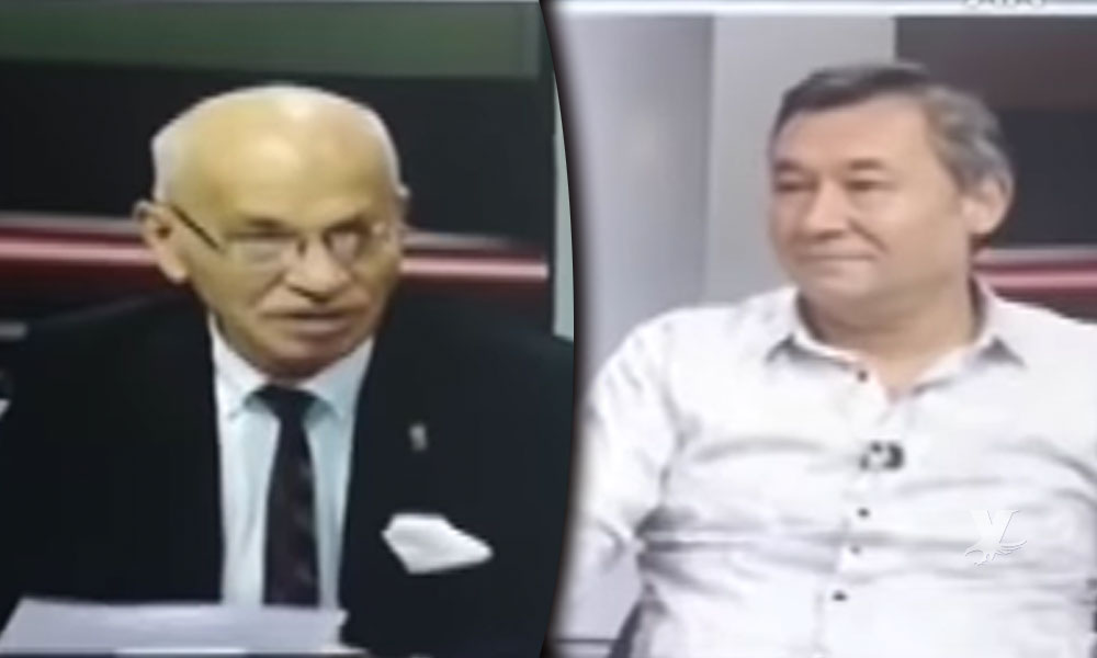 (VIDEO) Conductor hablaba de un partido de fútbol y sufrió un ataque cardiaco