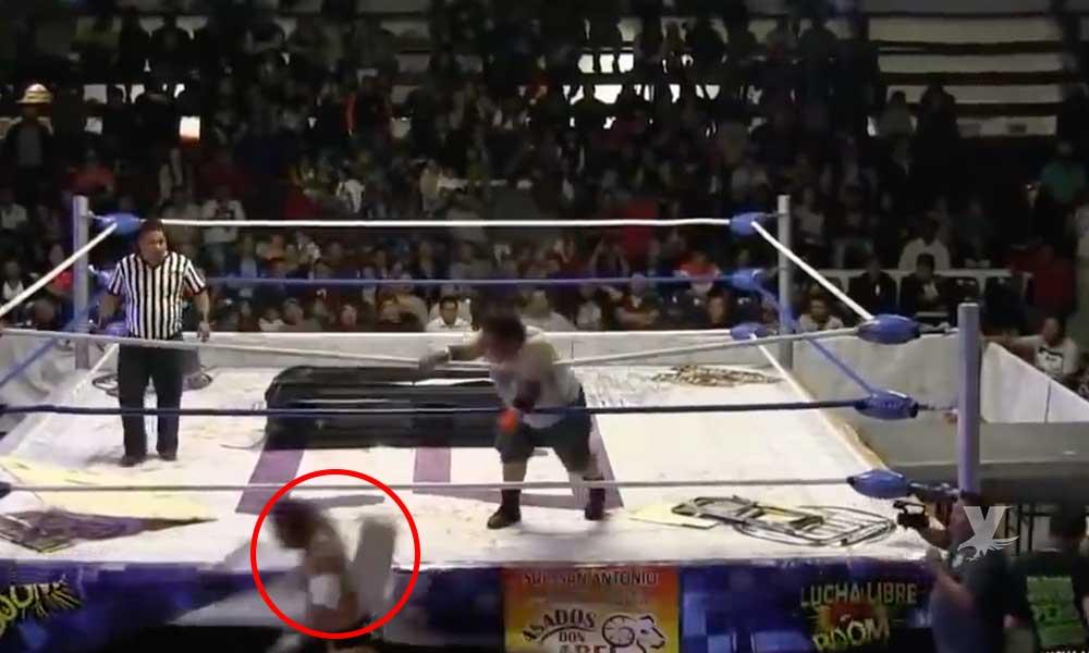 (VIDEO) Luchador lanza bloque de concreto sobre la cabeza de su contrincante