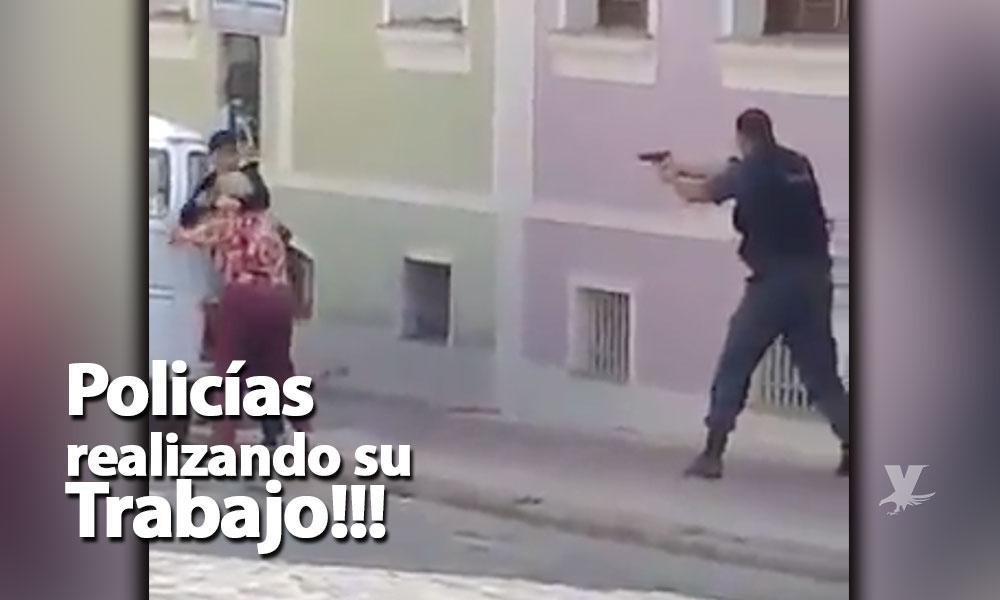 (VIDEO) Policía mata a ladrón que tenía de rehén a una ancianita, ciudadanos lo festejan