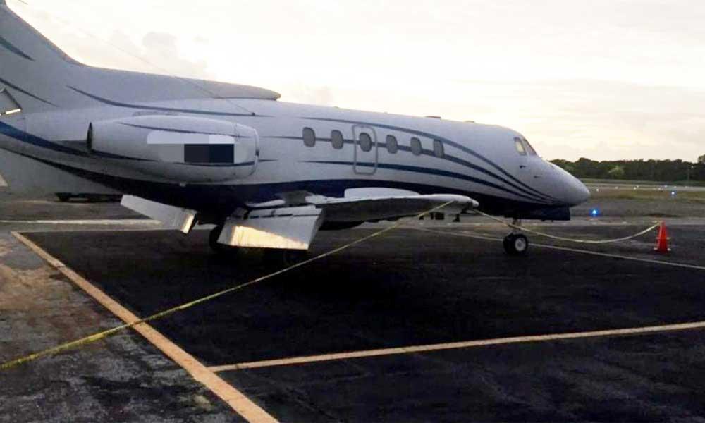 Avioneta es abandonada en aeropuerto de Chetumal con cerca de 1.4 toneladas de cocaína