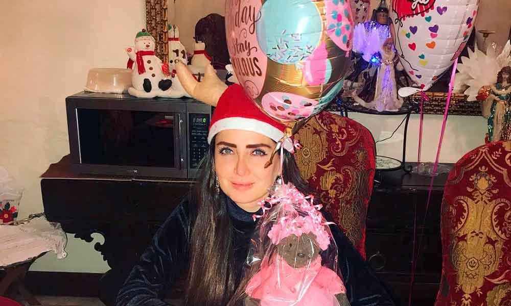 Celia Lora agradece a seguidores que la felicitaron en su cumpleaños con 'candentes fotos'