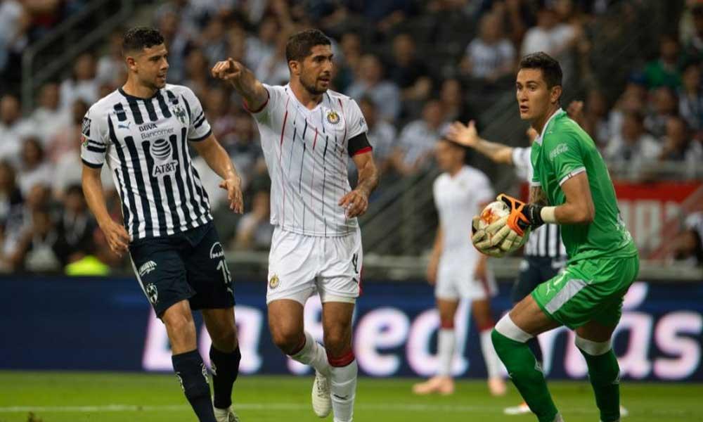 Chivas y Monterrey preparan cambio de jugadores para reforzar sus equipos