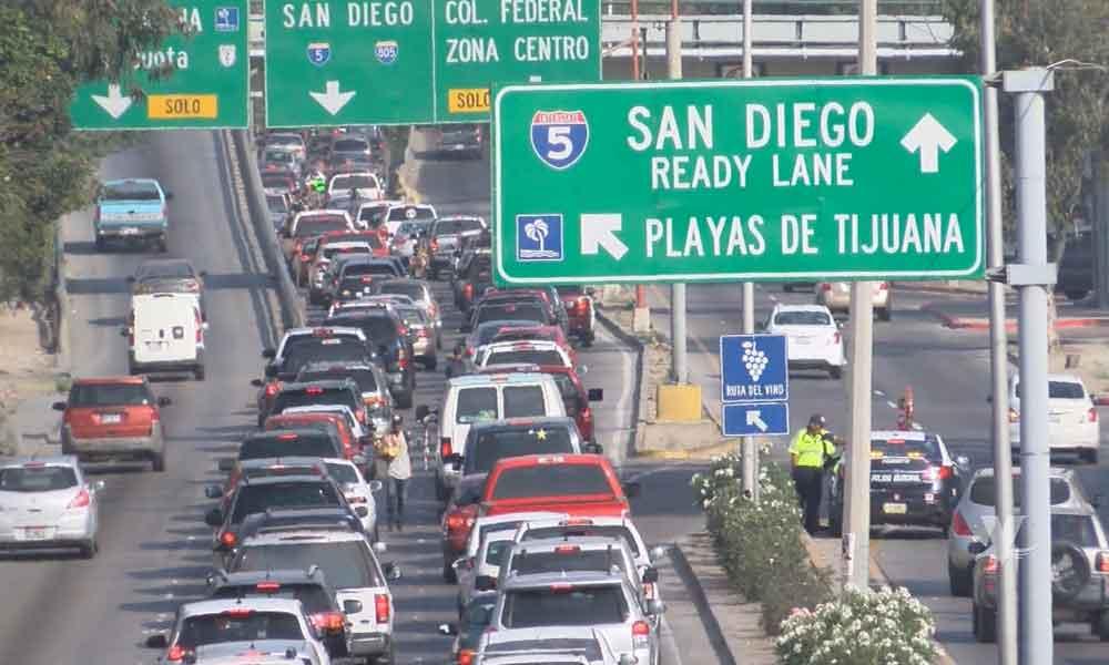 """Aprueba cabildo multar a los que se """"meten en la línea"""" en Tijuana"""