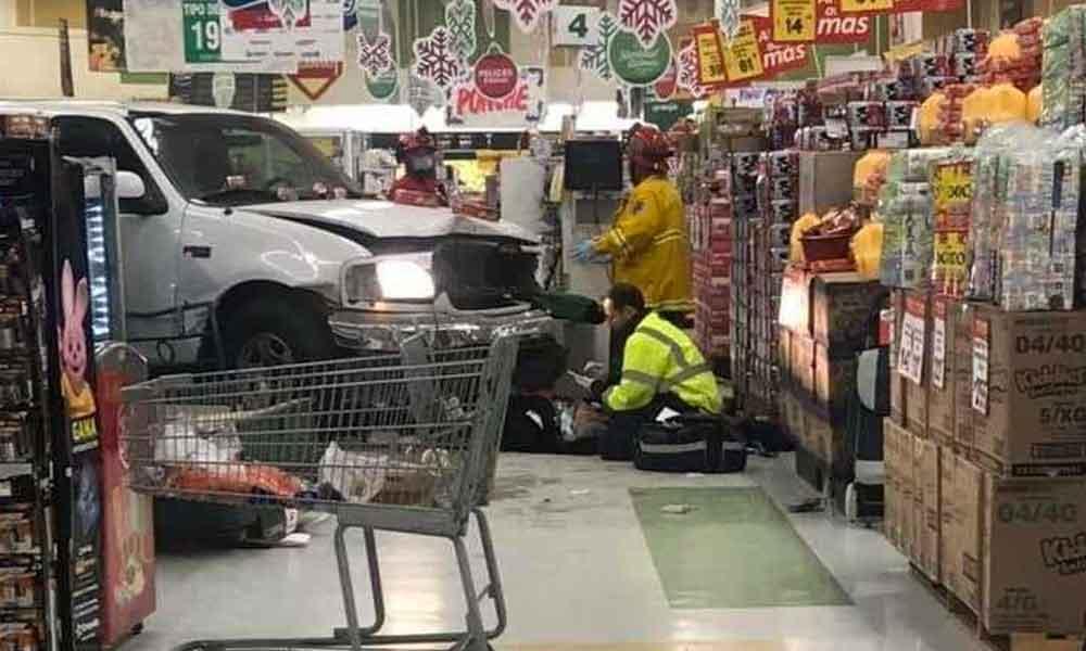 Hombre sufrió un infarto y se metió a supermercado en Tijuana