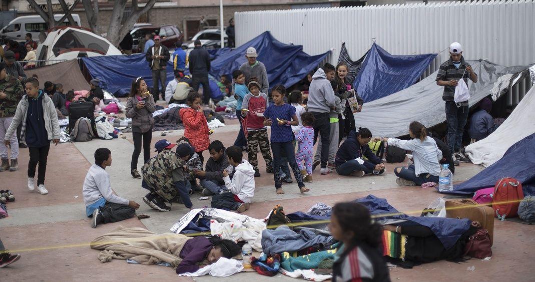 Detectan a narcomenudistas entre caravana migrante