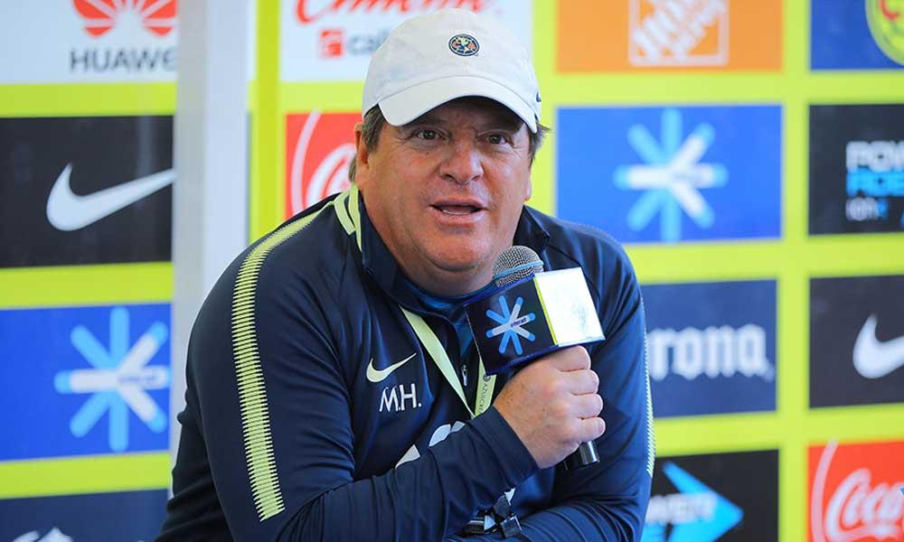 Miguel Herrera critica al Cruz Azul por el fichaje de Orbelín Pineda