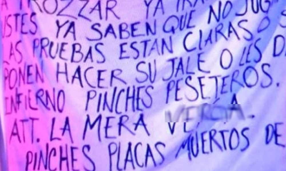 Cadáver y 'narcomanta' son dejados en puente de Tijuana dirigidos a Policías Municipales