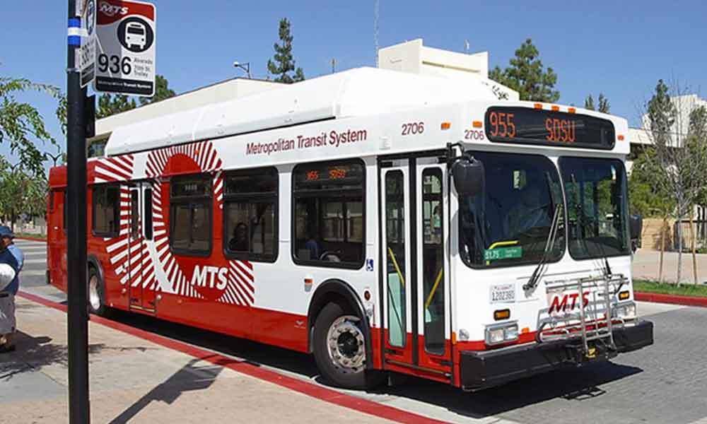 Anuncian horarios y promociones para usuarios del trasporte público los días festivos en San Diego